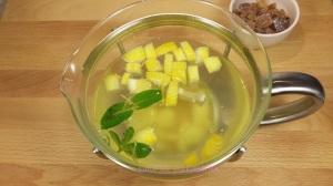 Ingwer-Zitronen-Tee ind Glaskanne